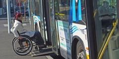 Passager-monte-à-bord-dun-bus-dans-la-region-de-Lorient-660x330.jpg